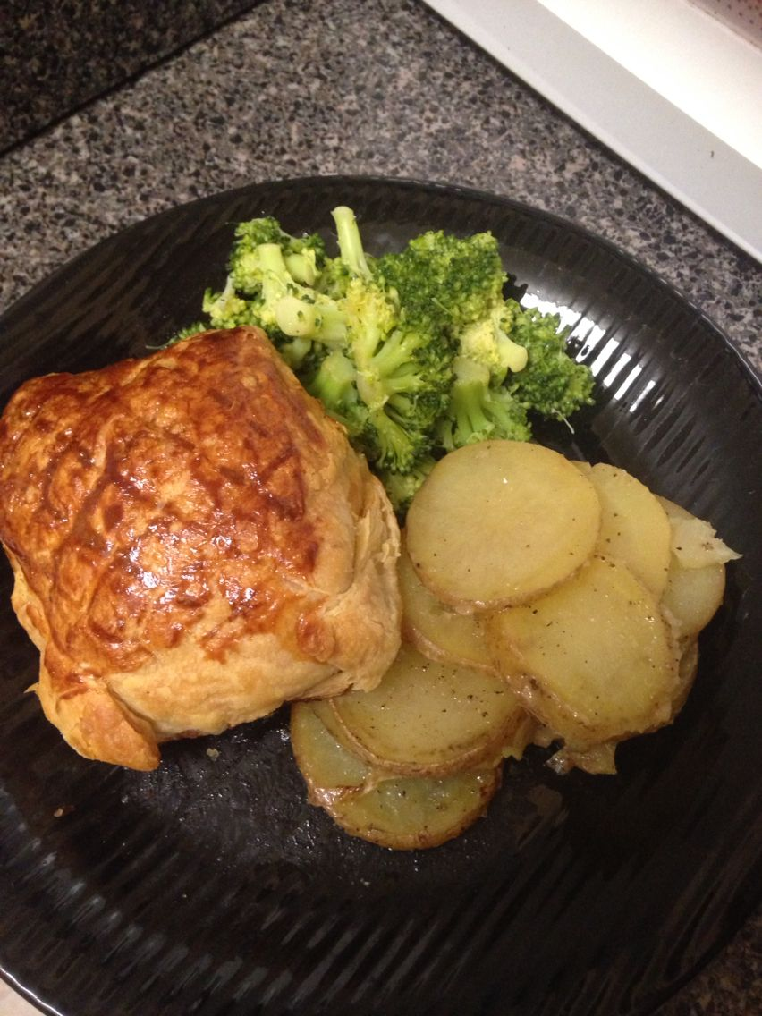 salmon en crute with steamed broccoli and new potatoes made by me thanks to gordon ramsay for the recipe gordon ramsay recipe recipes gordon ramsay pinterest