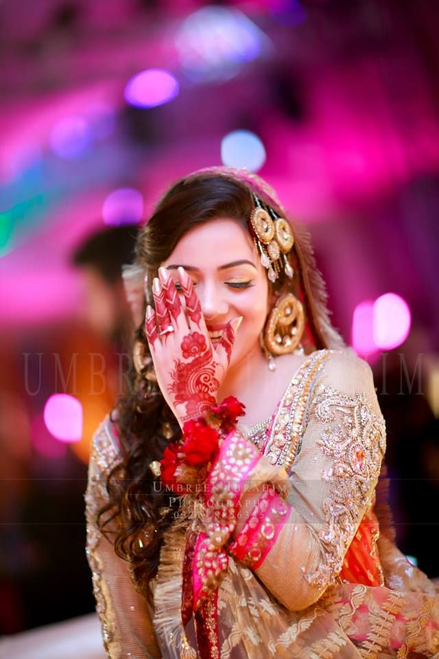 Umbreen Ibrahim photography | Bridal mehndi hands photography ...