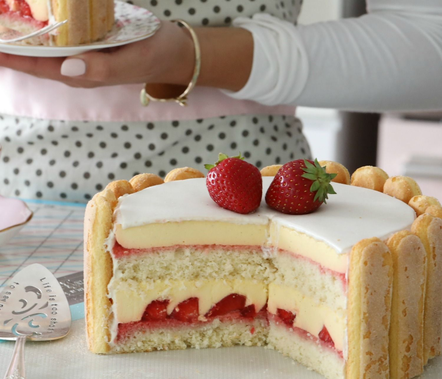 Passionfruit Mousse Cake With Strawberries #celebrationcakes