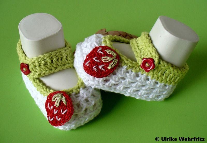 Babyschuhe Erdbeere  von strickliene auf DaWanda.com ♡