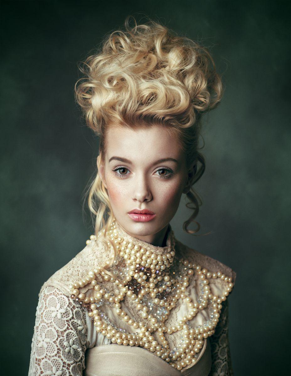 Photographer: Joanna Kustra Stylist/Hair/Makeup:... - Dark Beauty