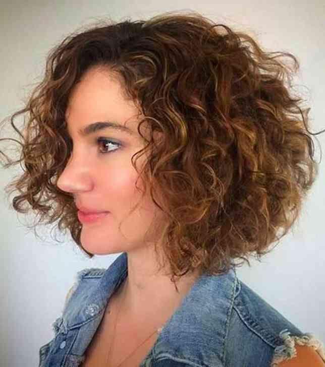 Frisuren Naturkrause Frisurentrends Coupe De Cheveux Carre Court Cheveux Boucles Coiffure Carre Frise