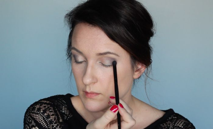 Sultry Makeup Look - Step 3a | Beauty Basics