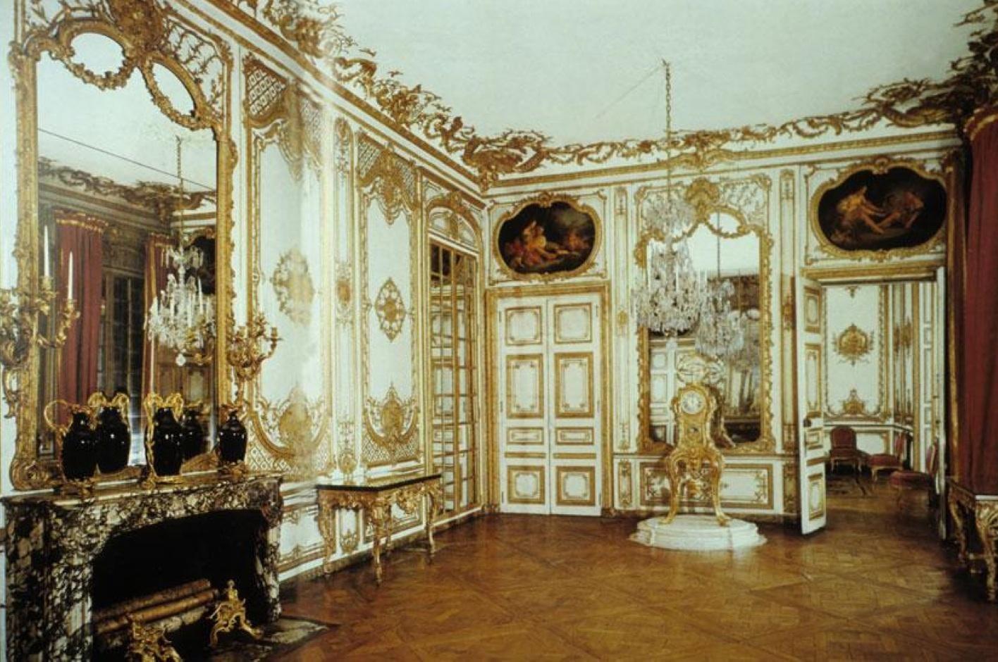 Rococo interior design louis xv rococo hotel de for Hotel design paris 8