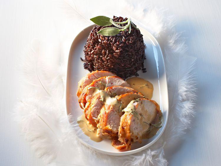 Découvrez la recette Suprêmes de poulet au lard fumé sur cuisineactuelle.fr.
