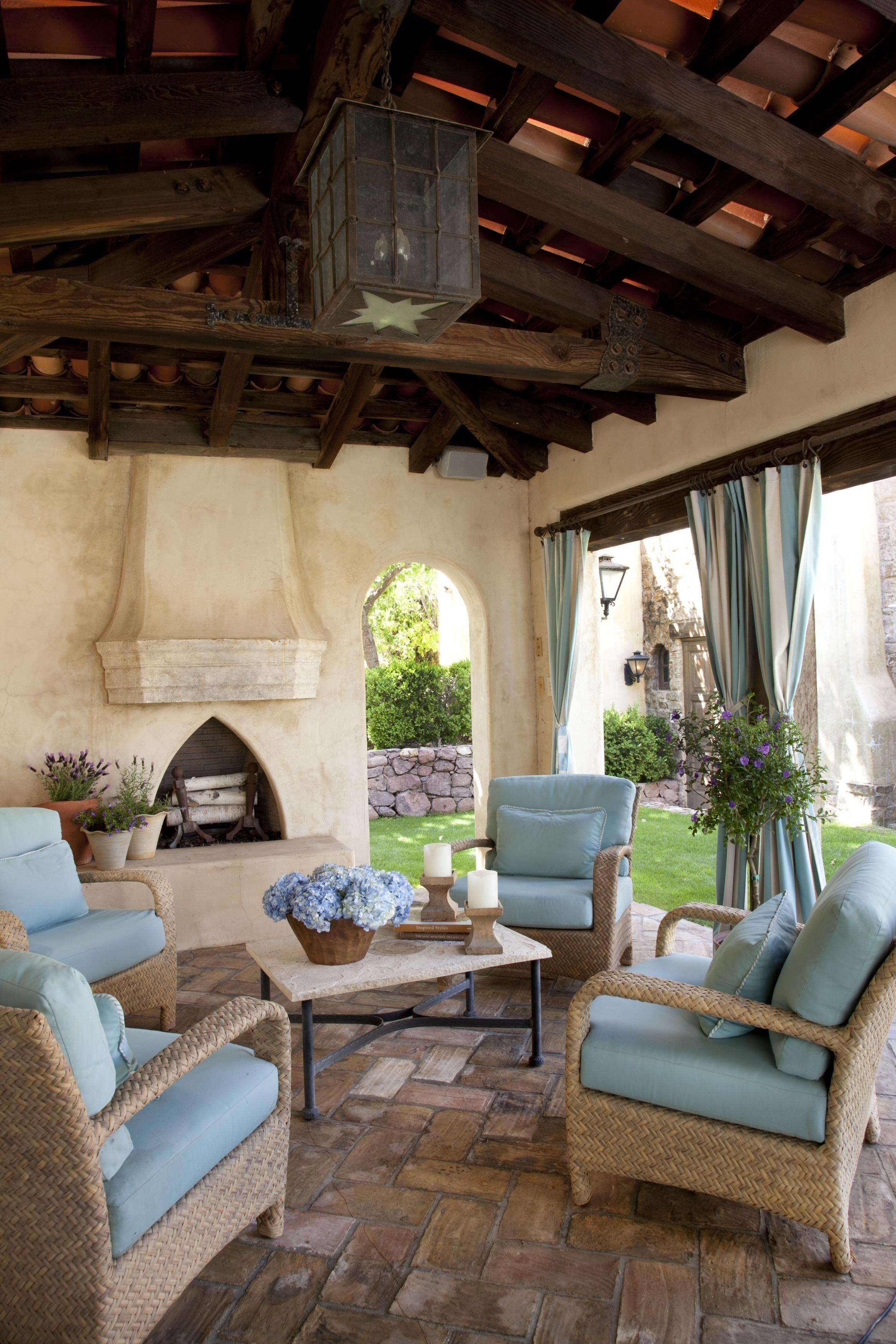 Mediterranean-Influenced Home in Arizona | Living room ...