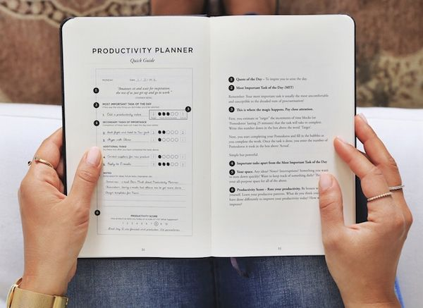 Elegant Task-Focused Planner Maximizes Daily Productivity, Inspires With Quotes - DesignTAXI.com