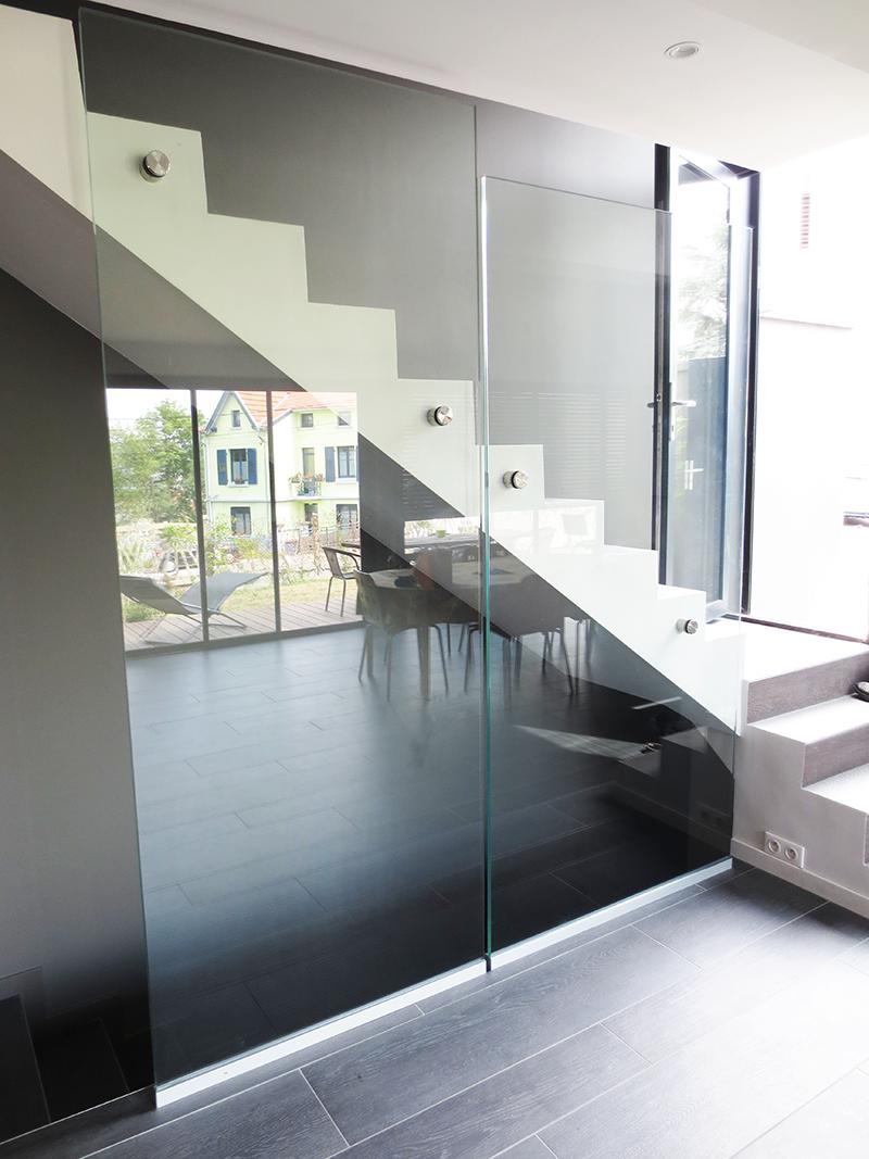 garde corps en verre pour int rieur glass railing made to measure garde corps en verre. Black Bedroom Furniture Sets. Home Design Ideas