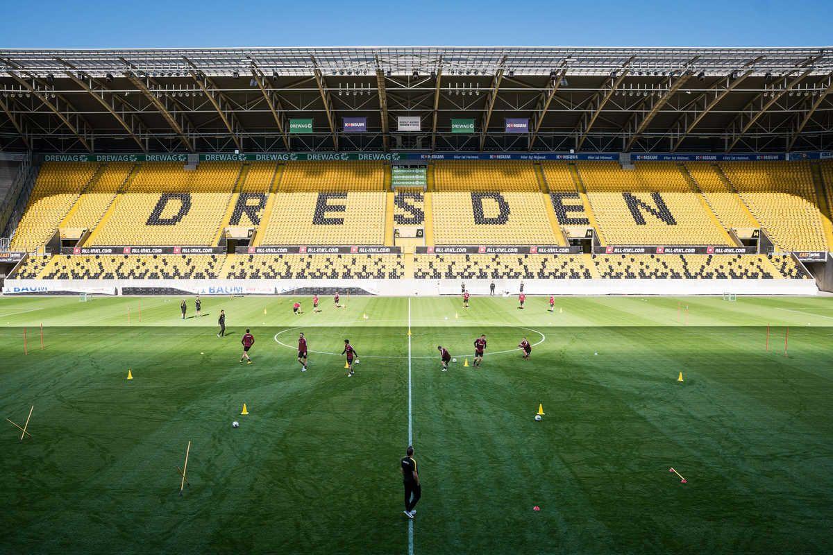So Lief Dynamos Erstes Training In Der Corona Krise In 2020 Dynamo Dresden Torhuter Fussball Ligen