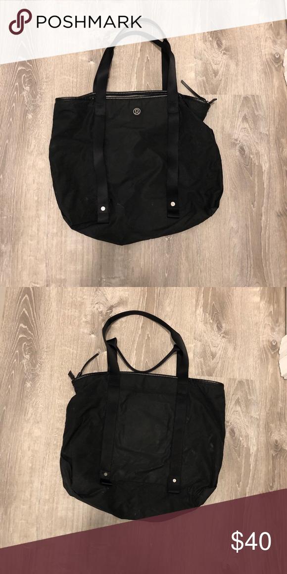Lulu lemon workout bag Black lululemon workout bag. lululemon athletica Bags 10de71044303b