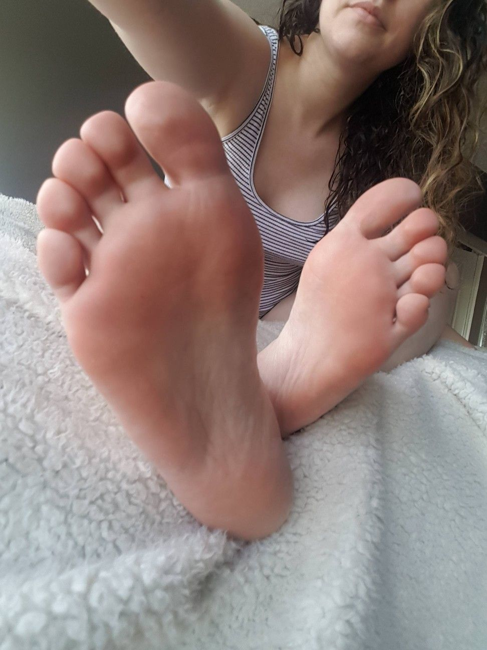Foot girl picture