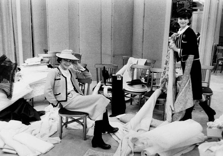 History of chanel fashion 71