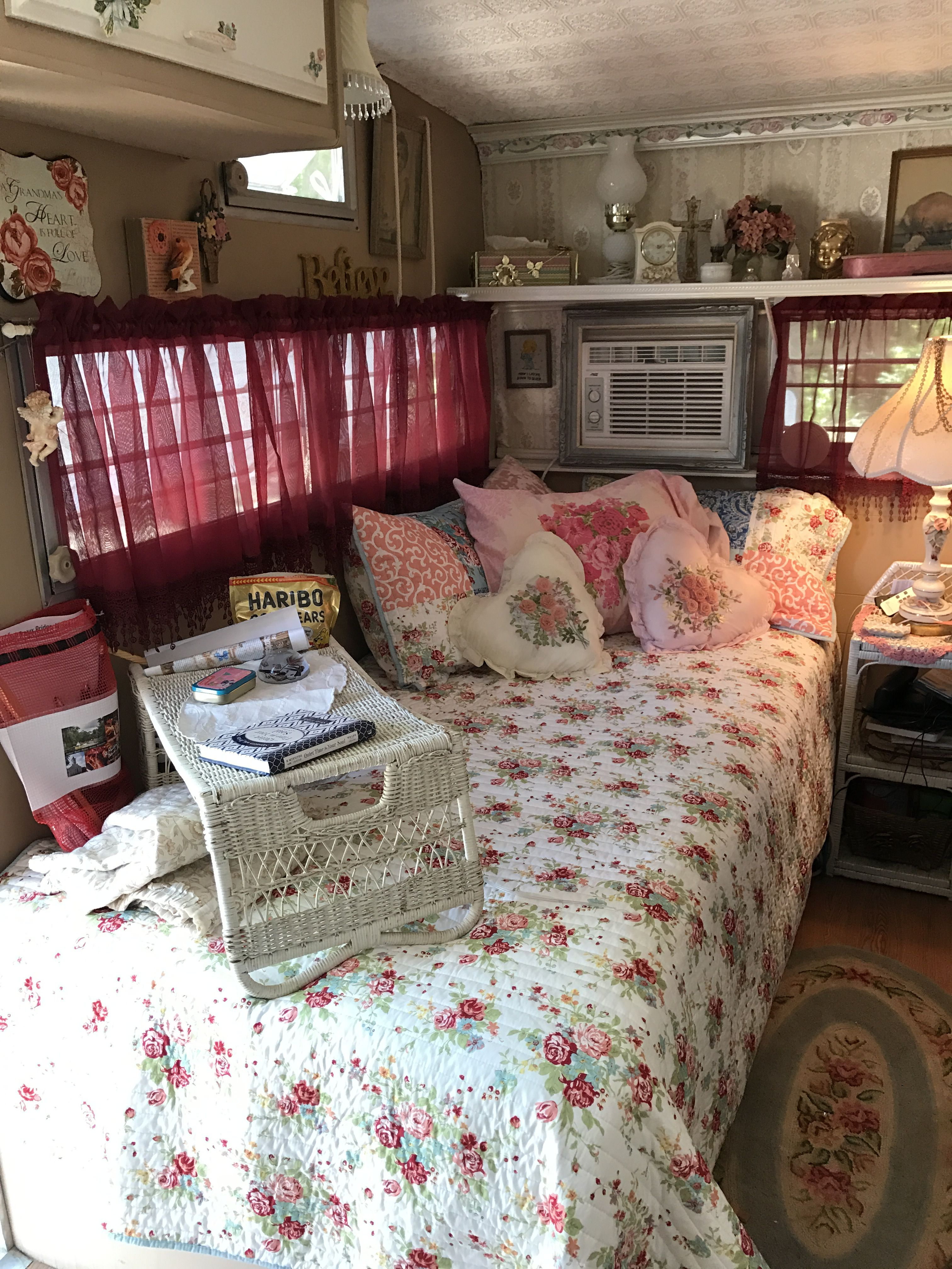 Shabby Chic Cuxhaven My Loula Belle A 1974 Shasta 1400 Camper Interiors Shasta