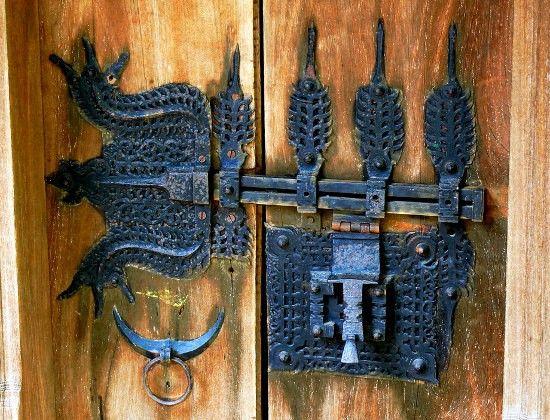 Inspire Bohemia: Decorative Door Hardware: Handles, Knobs, Knockers ...