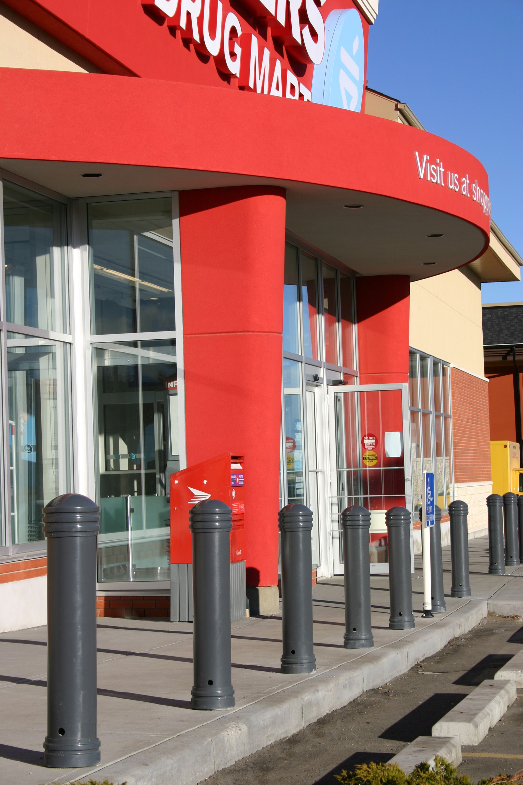 Shoppers Drug Mart In Millrise Station Calgary Alberta Loves Their Maglin Mtb650 Bollards Calgary Alberta Outdoor Decor Installation