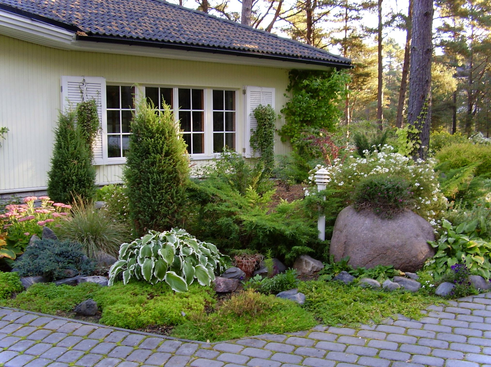 Find This Pin And More On Landscaping For An Enchanted Garden. Home Garden  Design ...