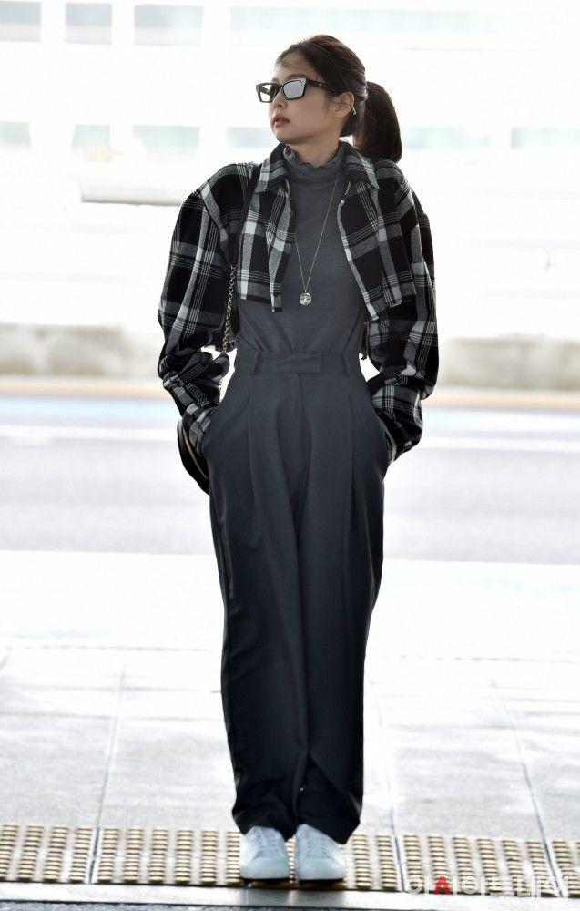 Plaid Black And White Cropped Cardigan | Jennie - BlackPink | K-Fashion at Fashionchingu