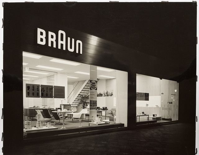 Hans G. Conrad: Informationszentrum von Braun, Frankfurt am Main 1960 by ReneSpitz, via Flickr