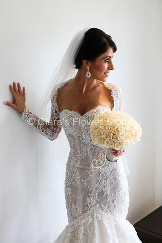 Roses Bridal Bouquet... #freshflowers #roses #bridal #sydneyflorist #floraldesigner #clarasflowerstudio