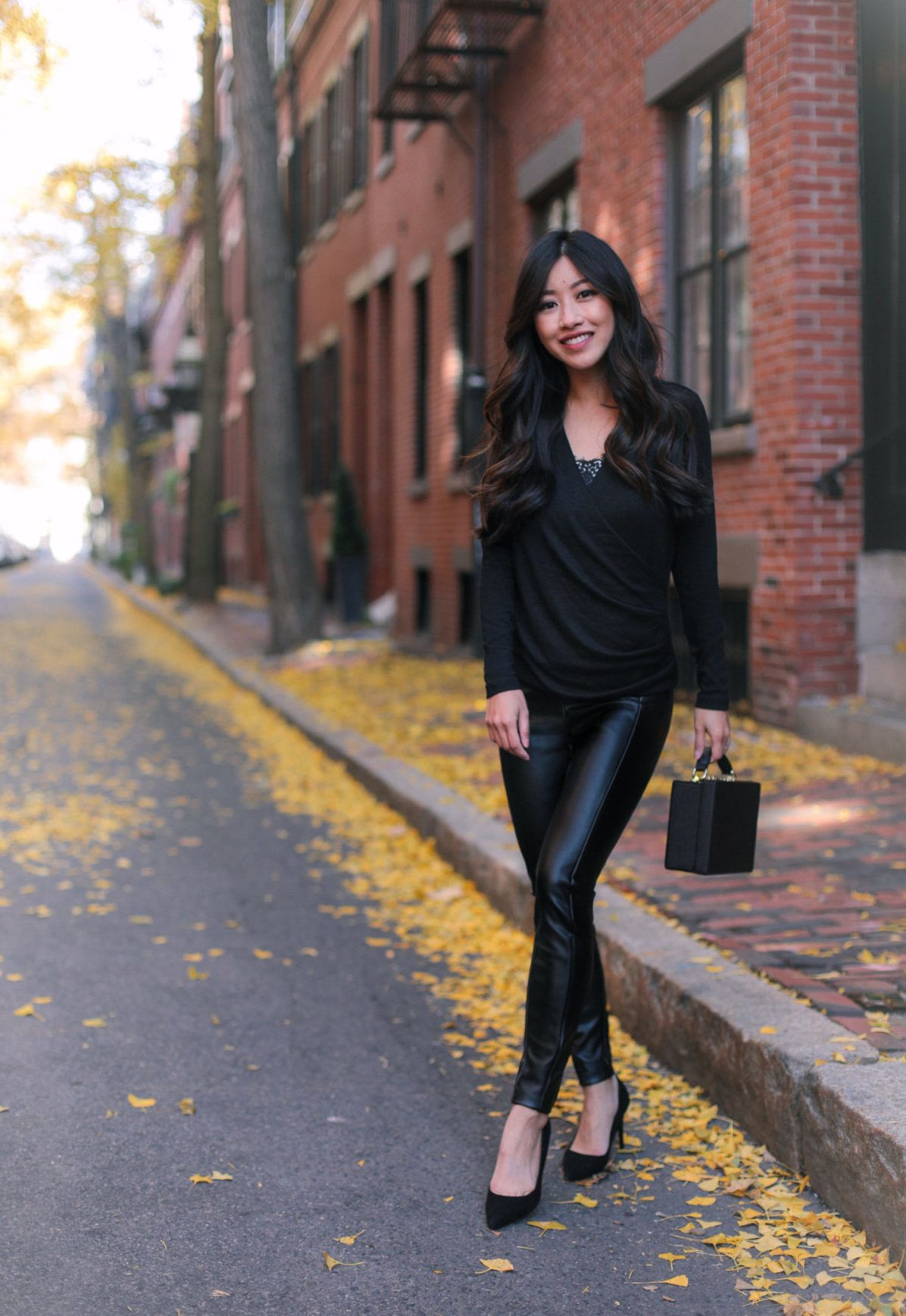 44f495d995259 Faux Leather Pants Styled 2 Ways | my style (extrapetite.com) | Faux ...