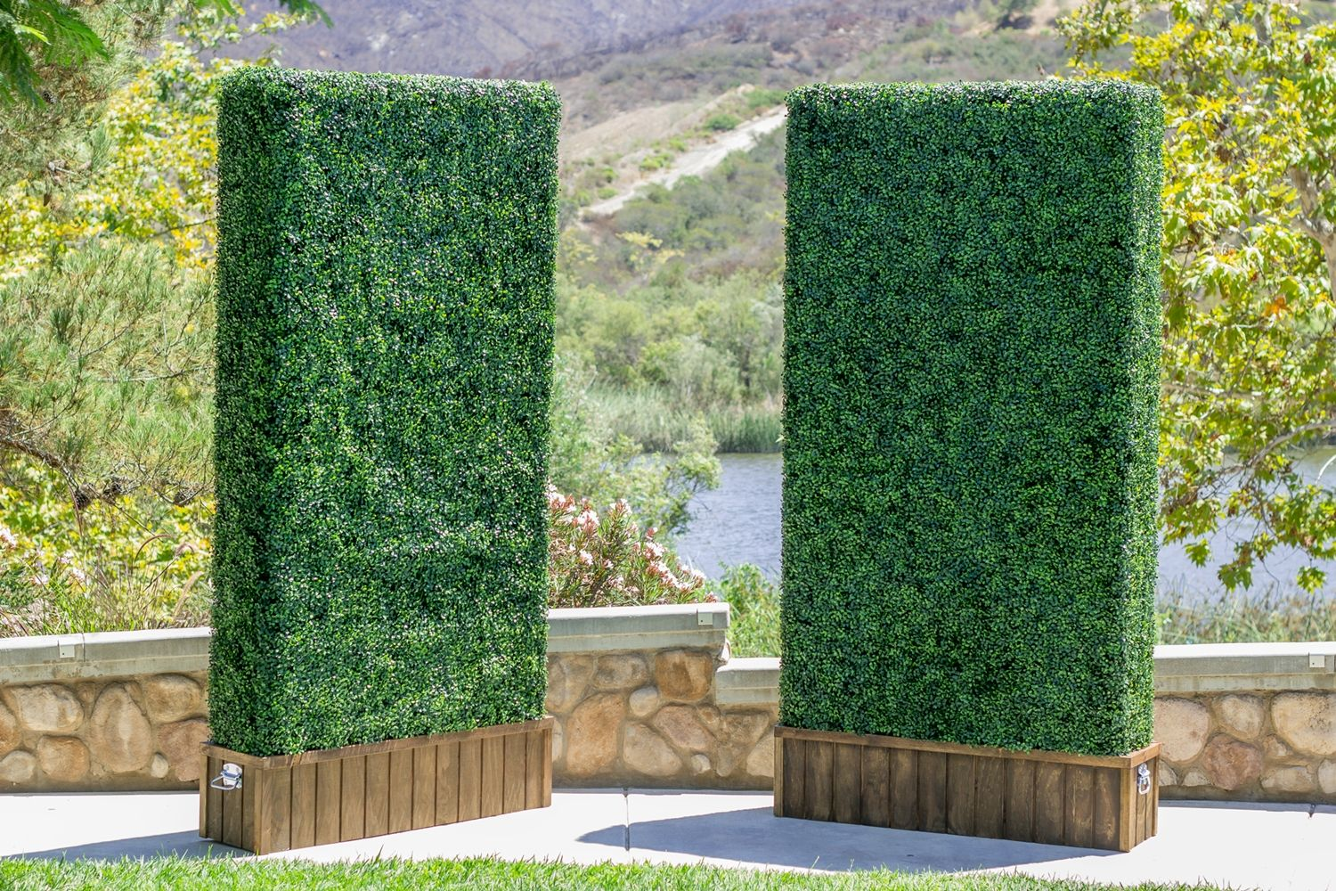 can i get some privacy please yes the solution on interior using artificial boxwood panels with flowers id=58616