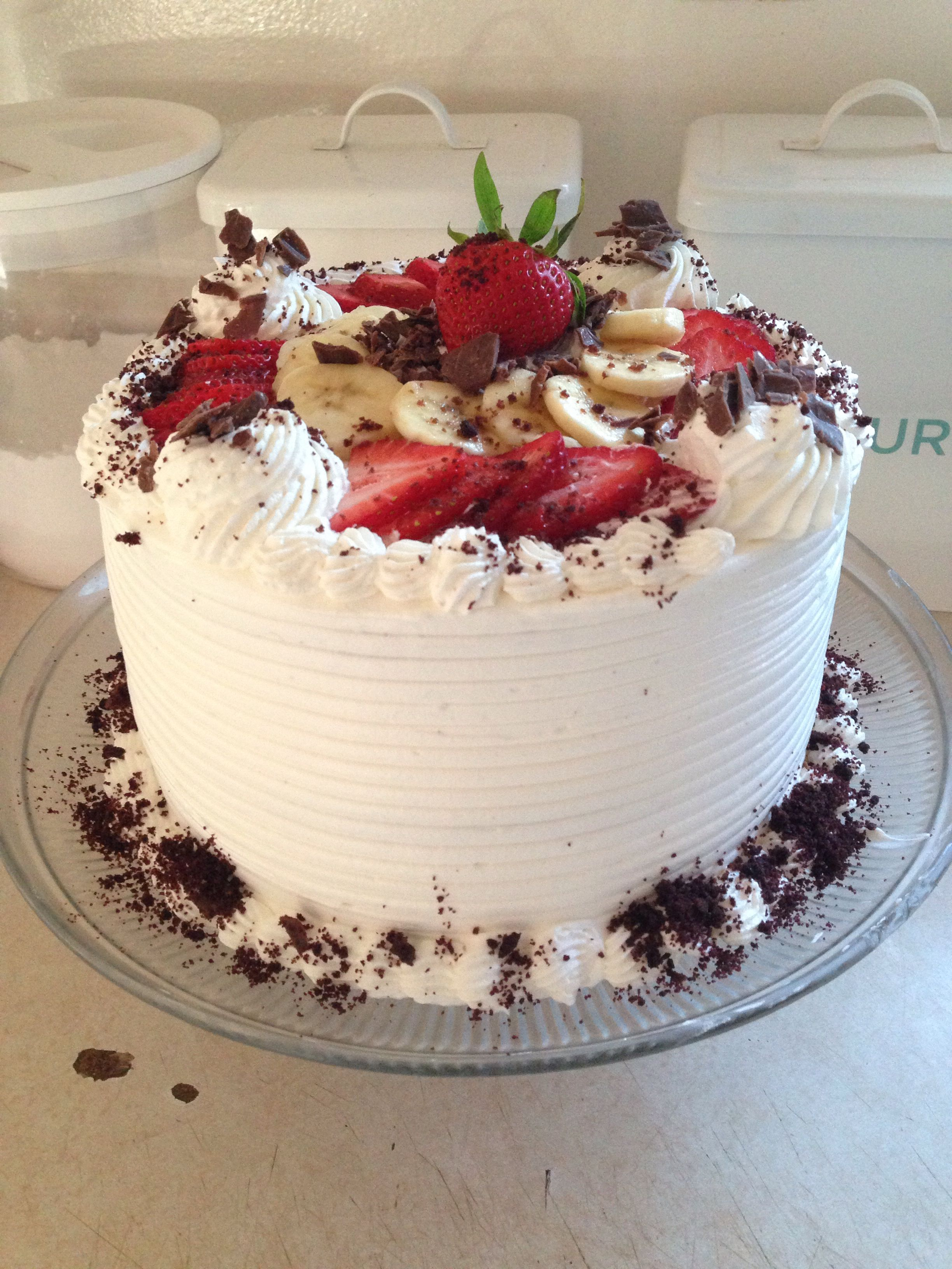 Brown Derby Cake 4 Layers Of Chocolate Cake Filled With Chopped Strawberries Banana Slices Iced With Whipped Dessert Cake Recipes Cake Desserts Sweet Cakes
