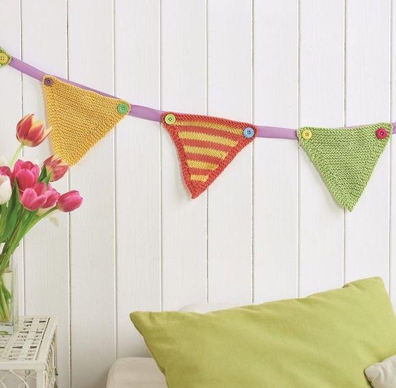 Stripy knitted bunting - Free Knitting Patterns - Homewares Patterns ...
