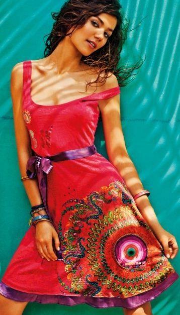 Catalogo abbigliamento Desigual primavera estate 2012  a9a020936b09