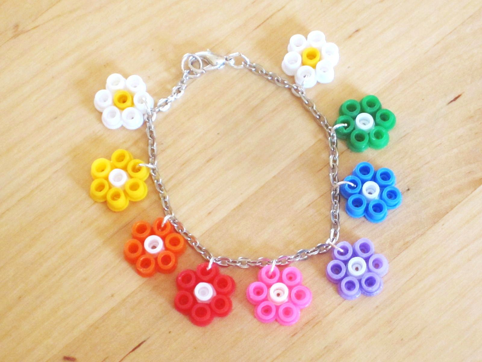 diy bracelet fleurs en perles repasser craft perler beads patterns pinterest hama. Black Bedroom Furniture Sets. Home Design Ideas