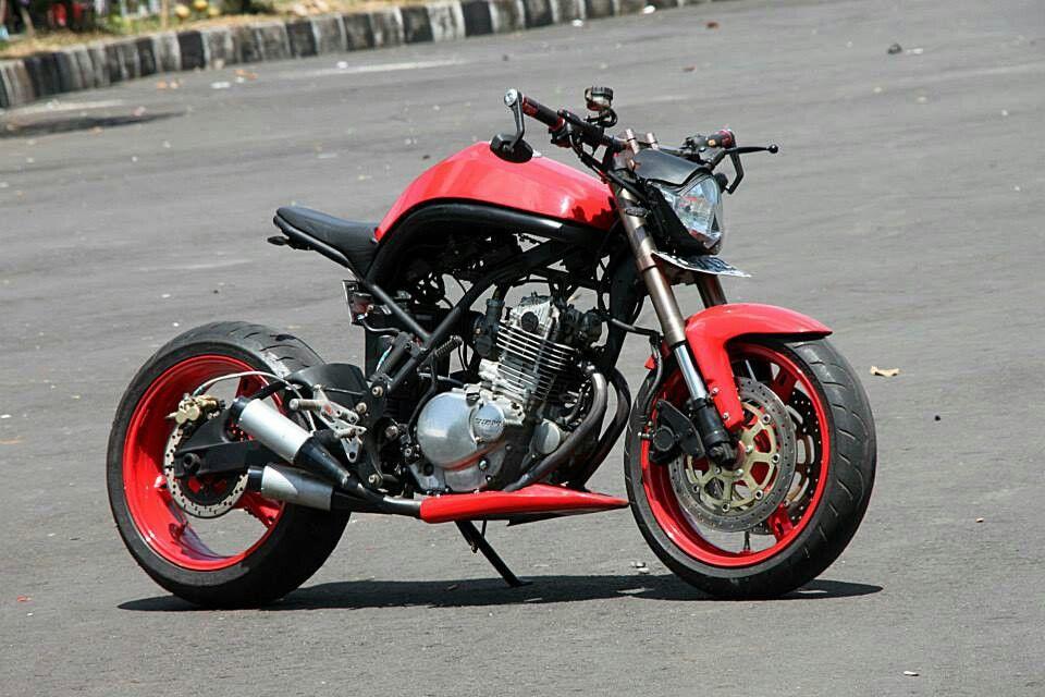 Suzuki Thunder 250 Custom Streetfighter Bike