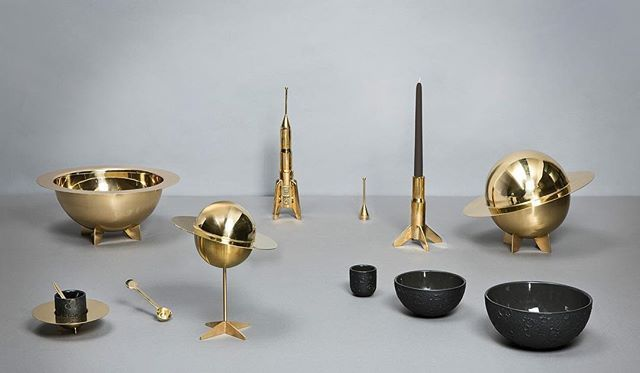 Cosmic Diner is a visionary and poetic tableware collection inspired by the universe, the result of the collaboration between Seletti and Diesel, extra-ordinary fashion brand with its roots in denim. The new table accessories feature a new material - brass. Bowls, candlesticks, centerpiece, and coffee cups in a shimmering metallic material for the creation of new and unique dimensionality. #Seletti #diesellivingwithseletti