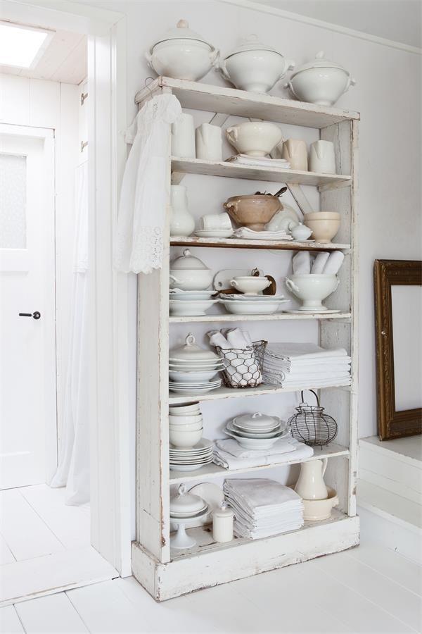 Et La Vie Devient Belle Free Standing Kitchen Cabinets