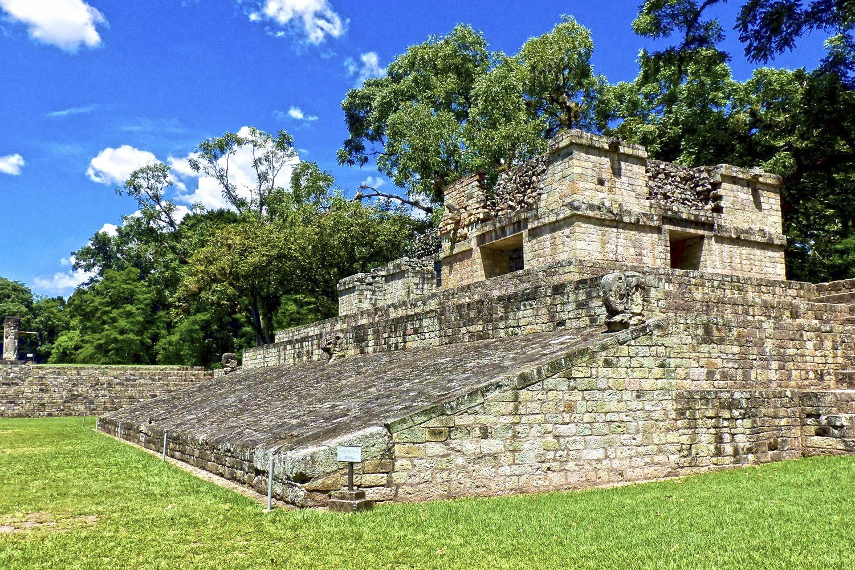 Die Copan Ruinas Ist Die Bedeutendste Mayastatte In Honduras Honduras Travel House Styles