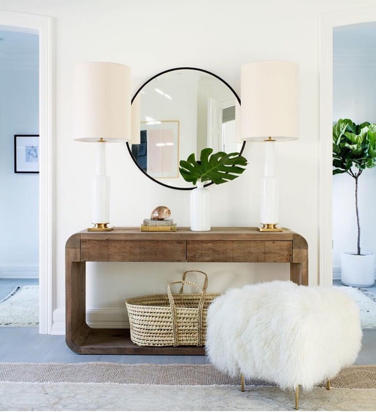 Luxury Entry Tables and Mirrors