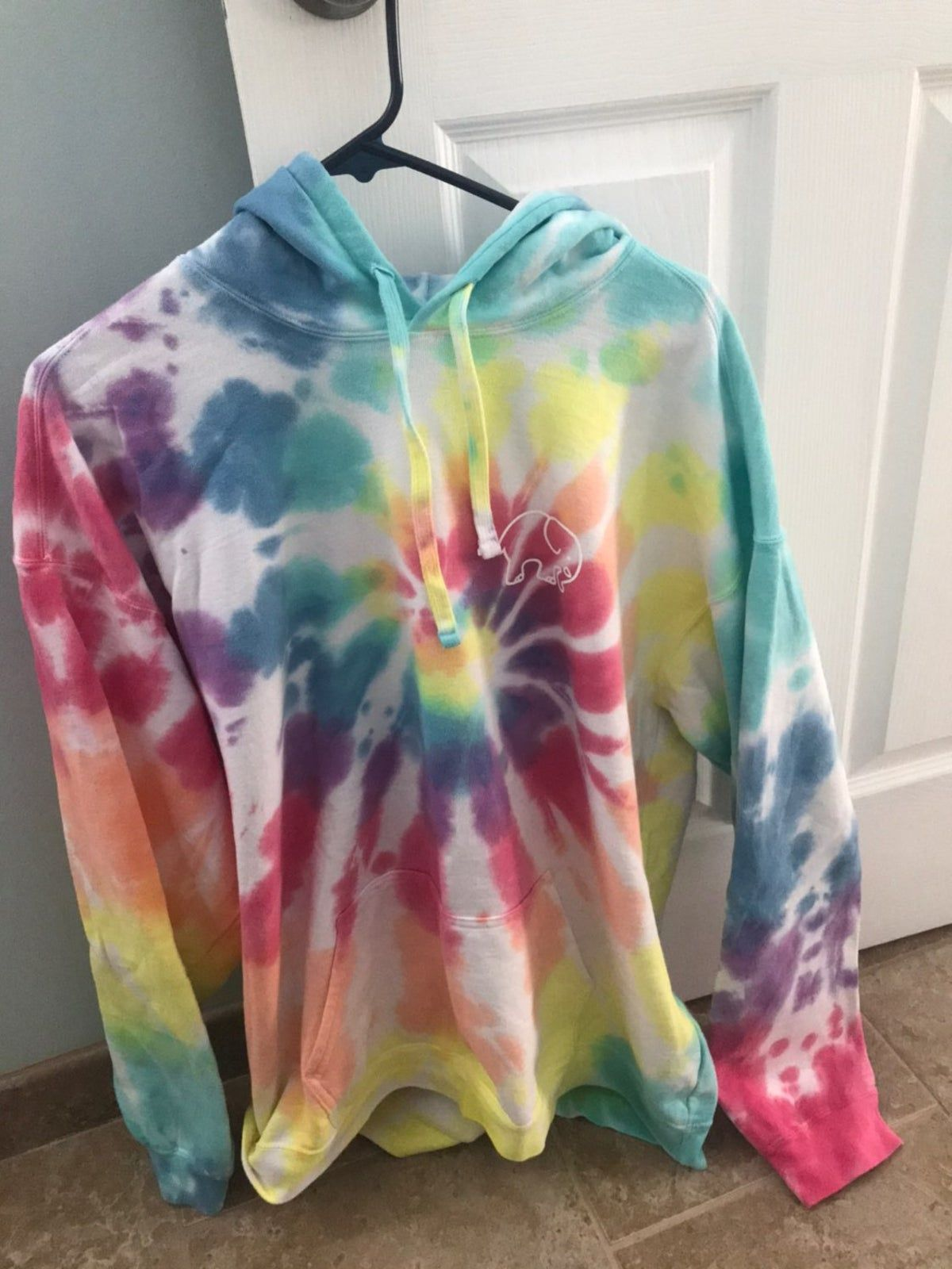 Ivory Ella Tie Dyed Hooded Sweatshirt Xl On Mercari Ivory Ella Sweatshirt Ivory Ella Clothes [ 1600 x 1200 Pixel ]