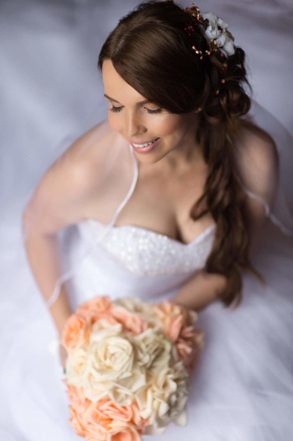 A Wedding Inspiration Photo Shoot In Costa Rica Junebug Weddings Amazing Wedding Makeup Wedding Photo Makeup Wedding Hair And Makeup