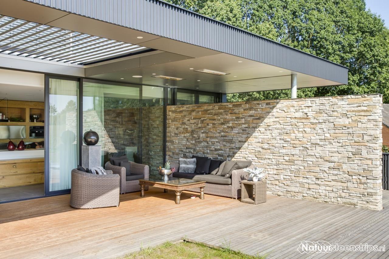 Steenstrips overdekt terras lichte kleur mooi in combinatie met