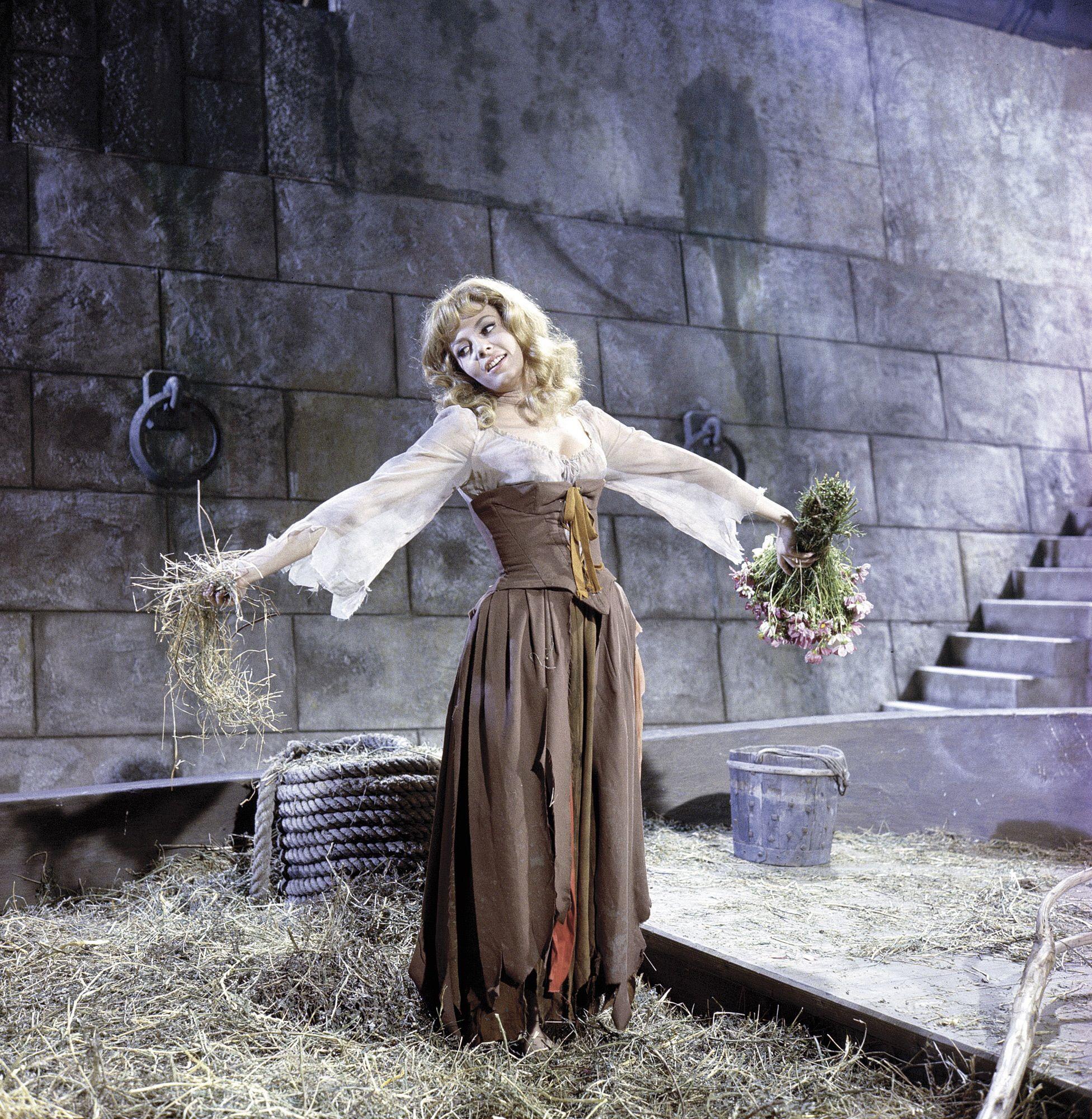 Michèle Mercier in Merveilleuse Angélique directed by Bernard Borderie, 1965