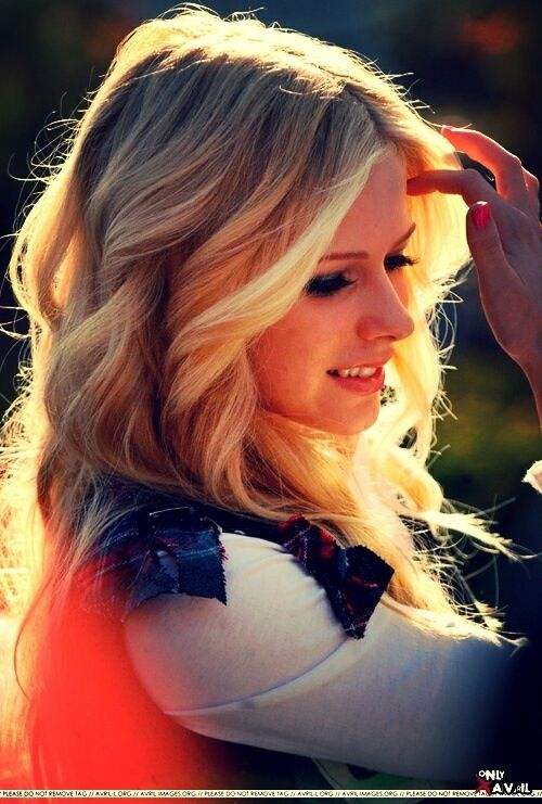 avril lavigne hair styles avril lavigne s curly hairstyle hairstyles 8413