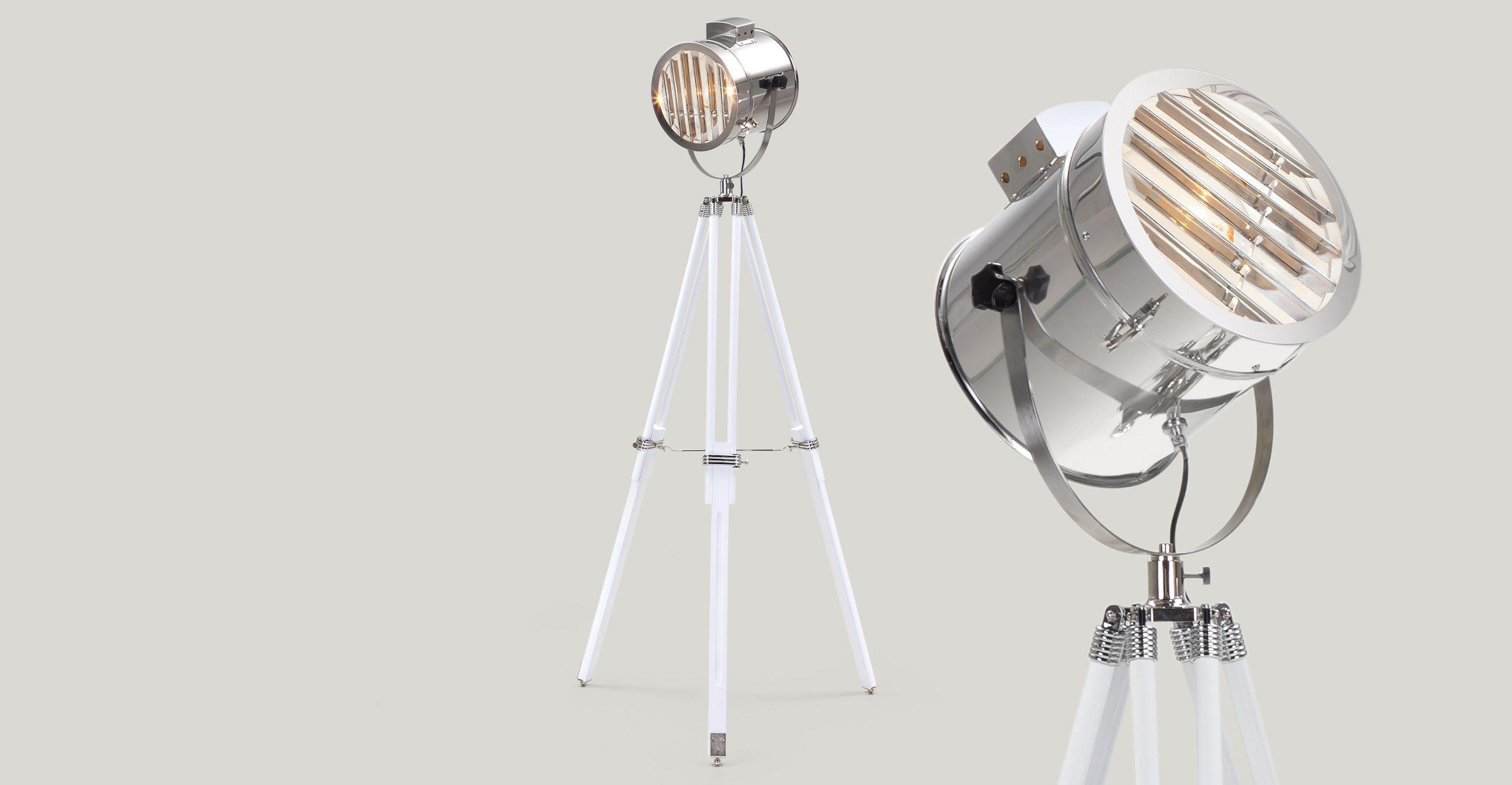 de verstelbare alfred staande lamp met driepoot haalt zijn