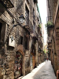 Barcelona Barri Gòtic Ancient Gothic Quarter Bordering The Mediterranean Ed An Apartment In This District For A Week Way Better Than Hotel
