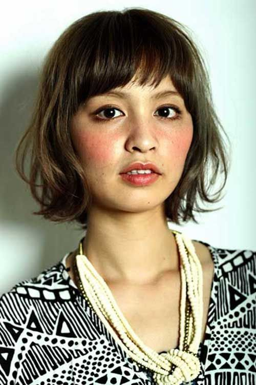 Www Short Hairstyles Co Wp Content Uploads 2016 08 Cute Bob With Bangs For Oval Faces Jpg Short Wavy Hair Short Hair Styles Hair Styles