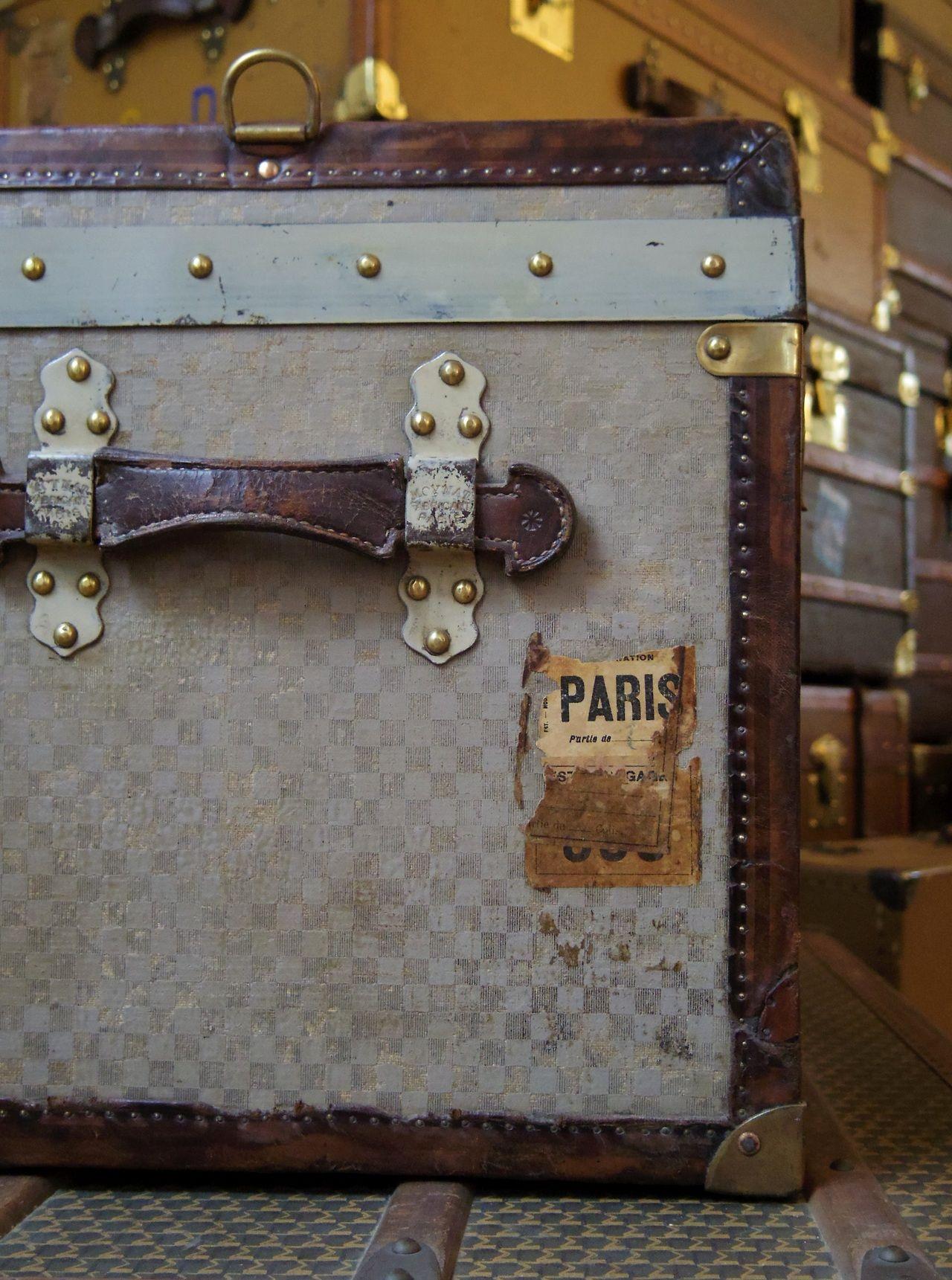 Epingle Par Vero Priolet Sur Escaping Dreaming Avec Images Malles Vintage Malles Et Coffres Malle Ancienne