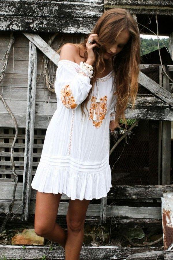 Robe blanche style hippie chic