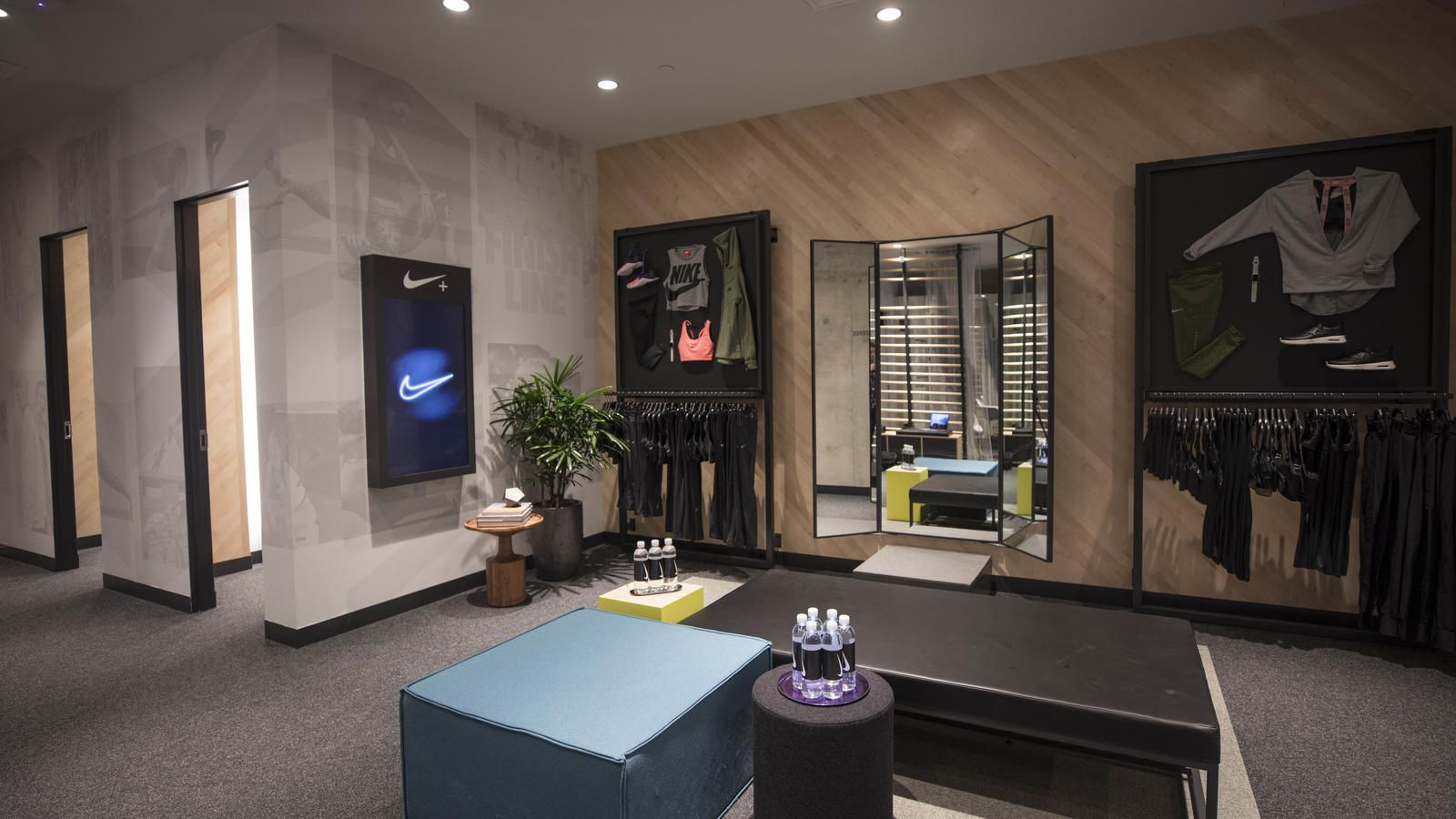 parrilla Perfecto siga adelante  First Look: Inside Nike Miami | Retail interior, Nike retail, Miami store
