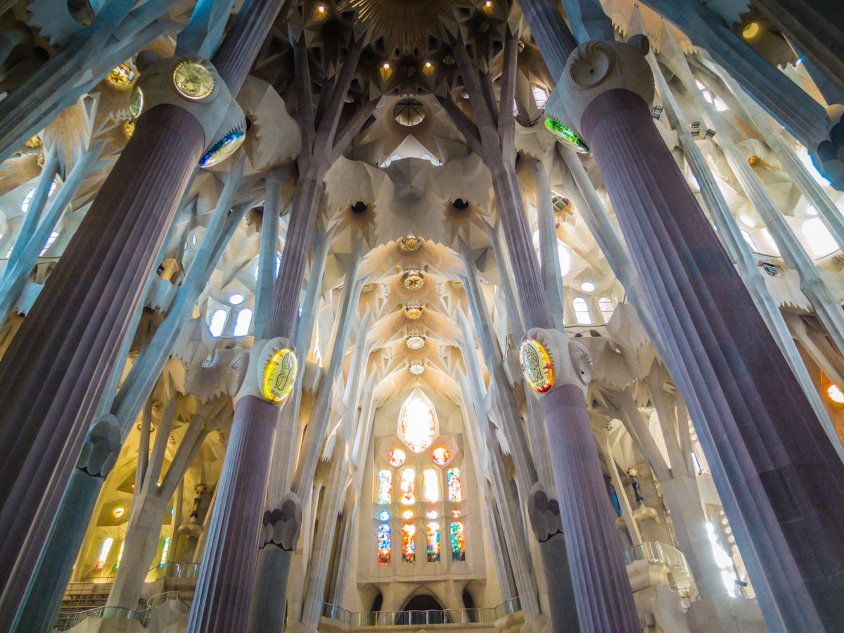 Sagrada Familia is the most well-known of all of Antoni Gaudi's work and one of the reasons I wanted to visit Barcelona, Spain. | SuitcaseandHeels.com
