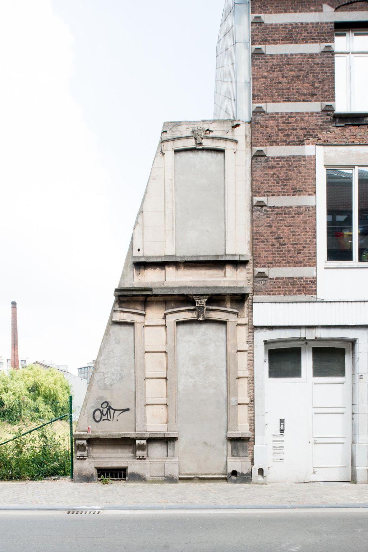 Mario Ferrara, looking at architectonic details; http://www.floornature.com/photography/set-mario-ferrara-looking-at-architectonic-details-11100/