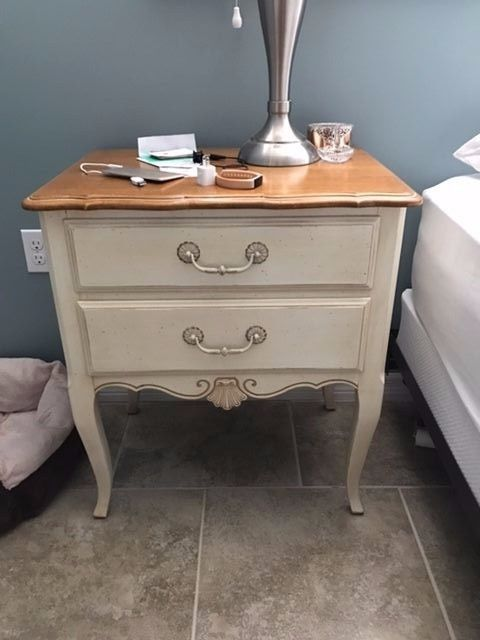 Ethan Allen Country French Pair Of Nightstands Home Garden