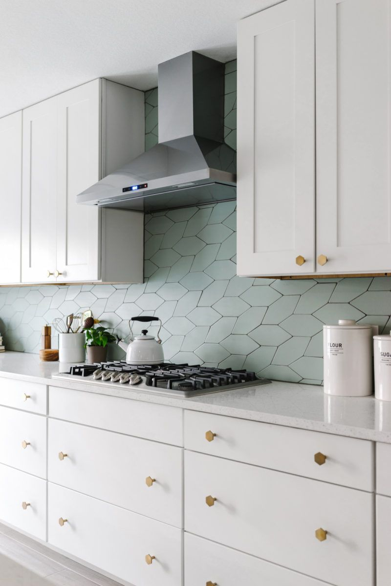 Picket To Perfection Fireclay Tile Scandinavian Kitchen Kitchen Tiles Kitchen Design