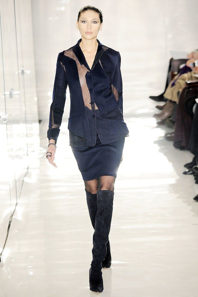 See the complete Ralph Rucci Fall 2010 Ready-to-Wear collection.